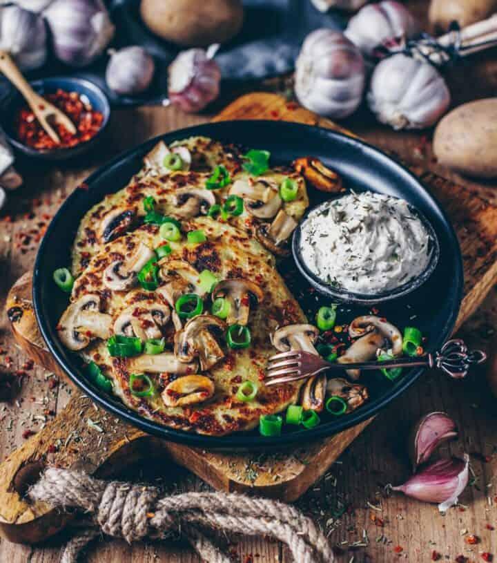 Vegane Kartoffelrösti mit Pilzen