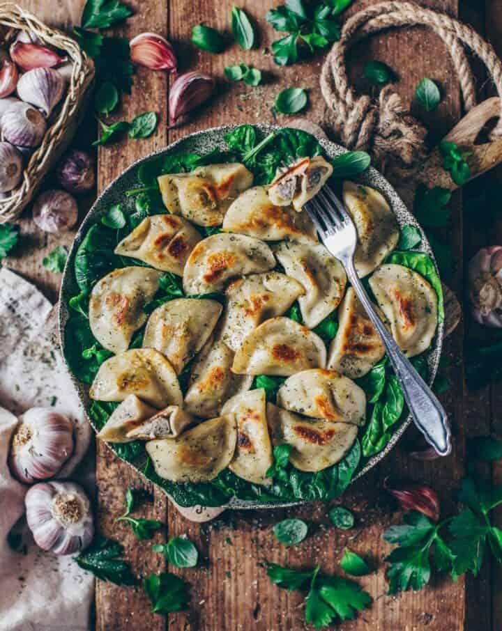 Vegane Piroggen mit Pilz- Füllung (polnische Teigtaschen)