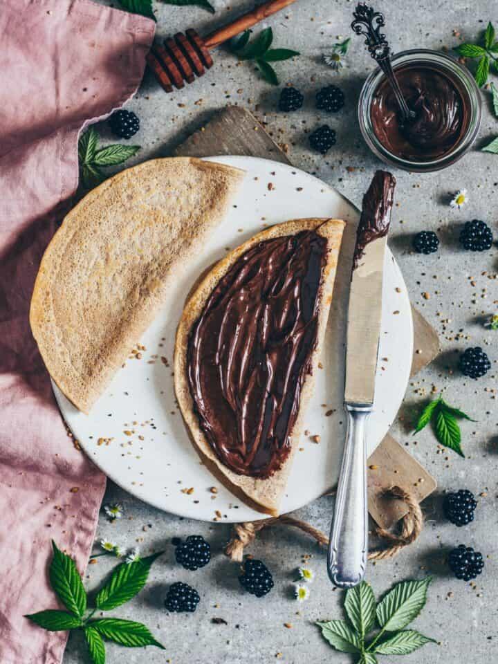 crêpes with chocolate cream