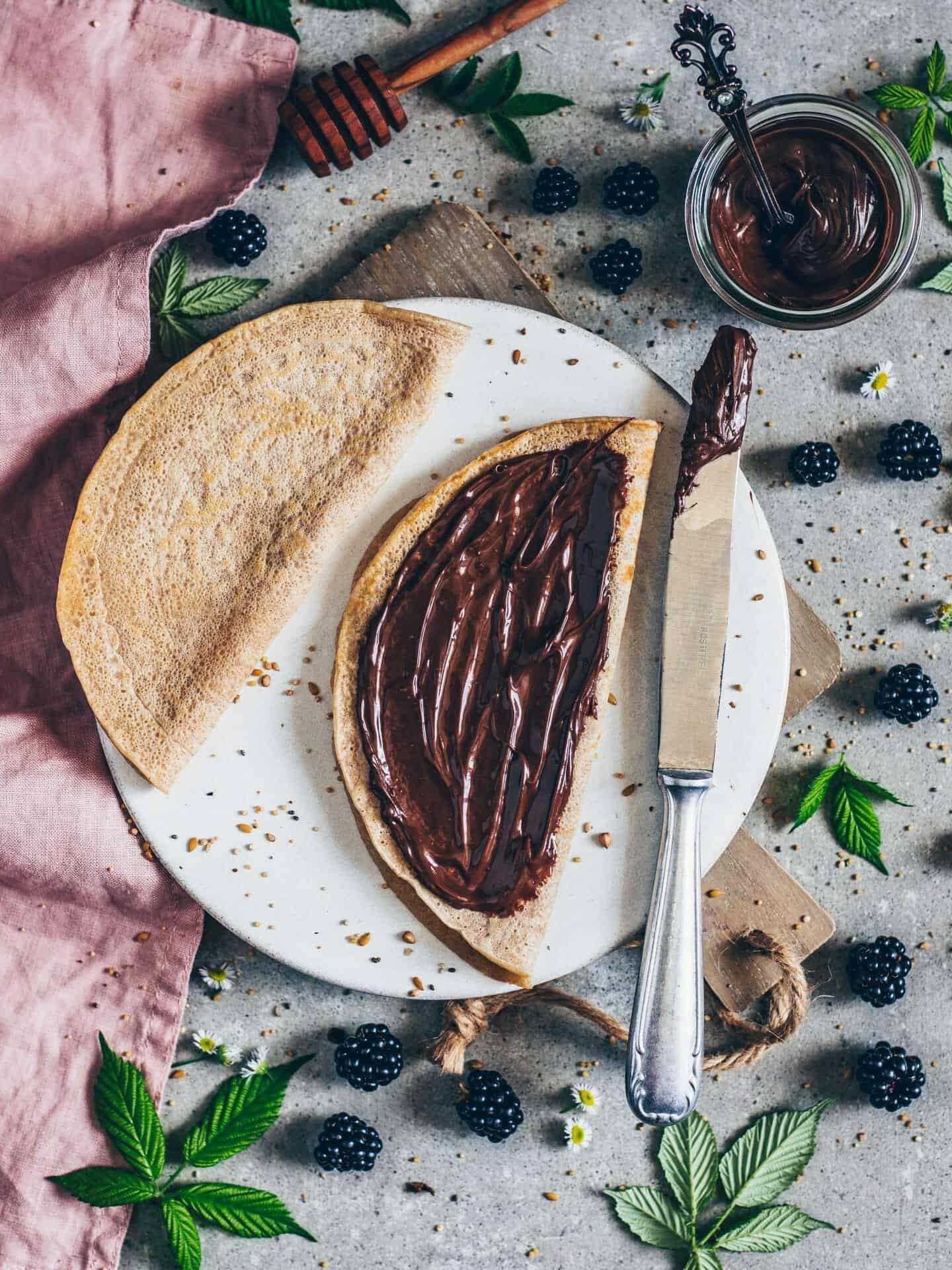 crêpes with chocolate cream