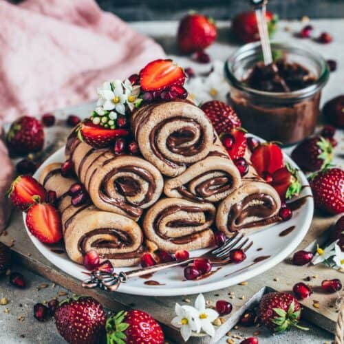 pancakes filled with chocolate cream roll-ups