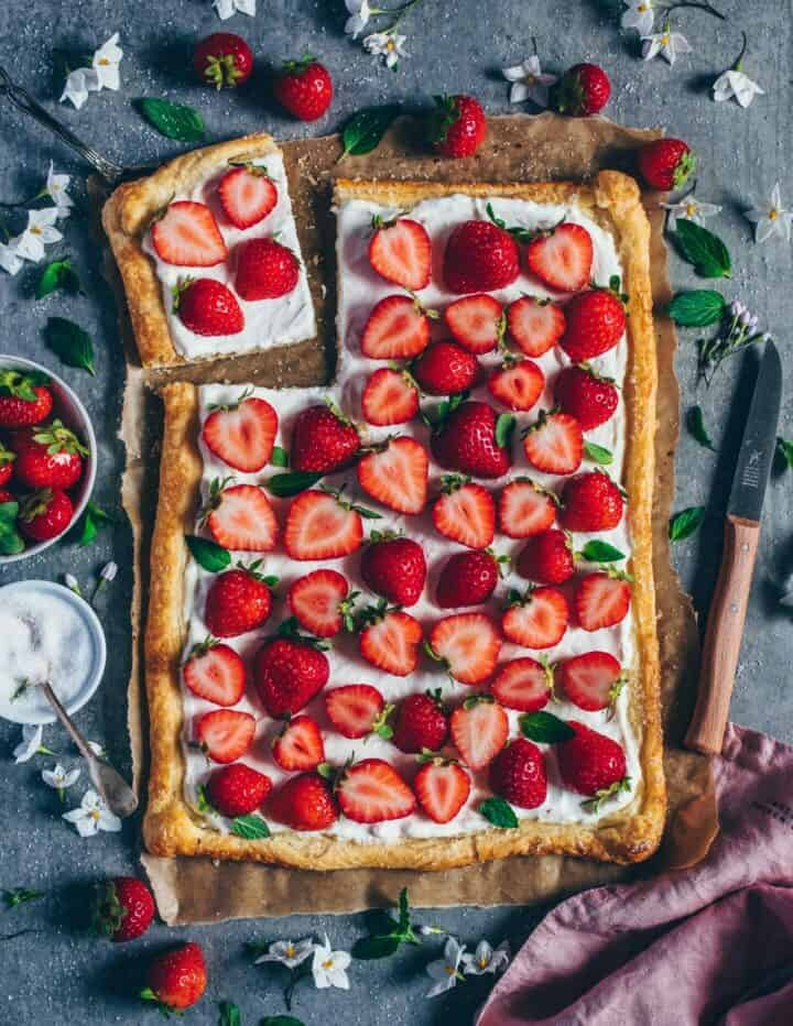 simple recipe for vegan strawberry cream puff pastry tart - delicious, easy to make