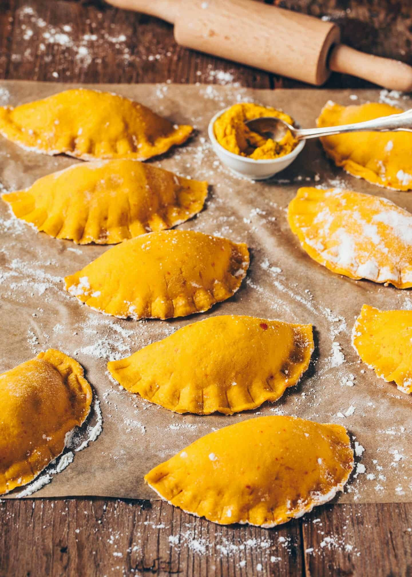 This vegan jumbo pumpkin ravioli taste incredibly delicious and are made super easy and quick! The recipe is vegan, simple and healthy. Crispy roasted and served with a creamy Pumpkin Pasta Sauce, it makes the perfect dinner or lunch.