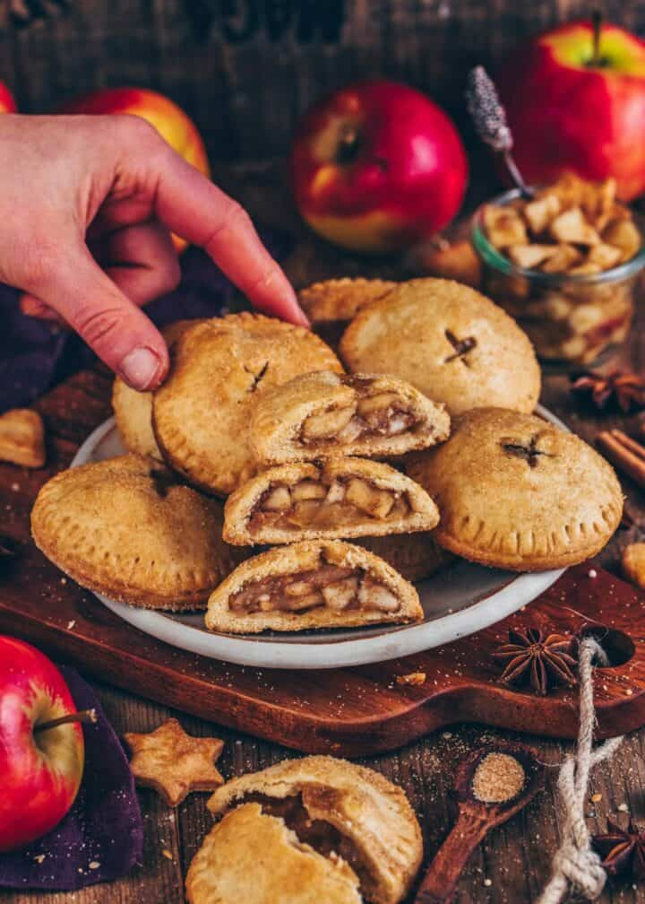 These vegan Apple Hand Pies feature a sweet apple pie filling inside a delicious pie crust. They're so easy to make and ready in only 30 minutes! A perfect recipe for apple season!