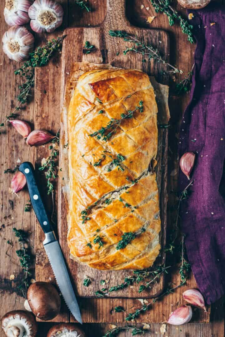 This vegan mushroom Wellington makes a great meatless vegan roast recipe, and it will definitely get the non vegans interested too! It's very easy to make, hearty, flavorful and so delicious!