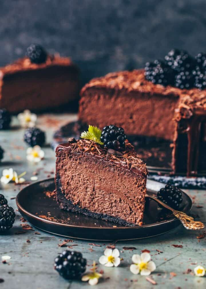 Best Chocolate Cheesecake Recipe. Tips for perfect cheesecake success. Step-by-step. Creamy, rich, fudgy, easy Chocolate Ganache. Dairy-free, eggless.