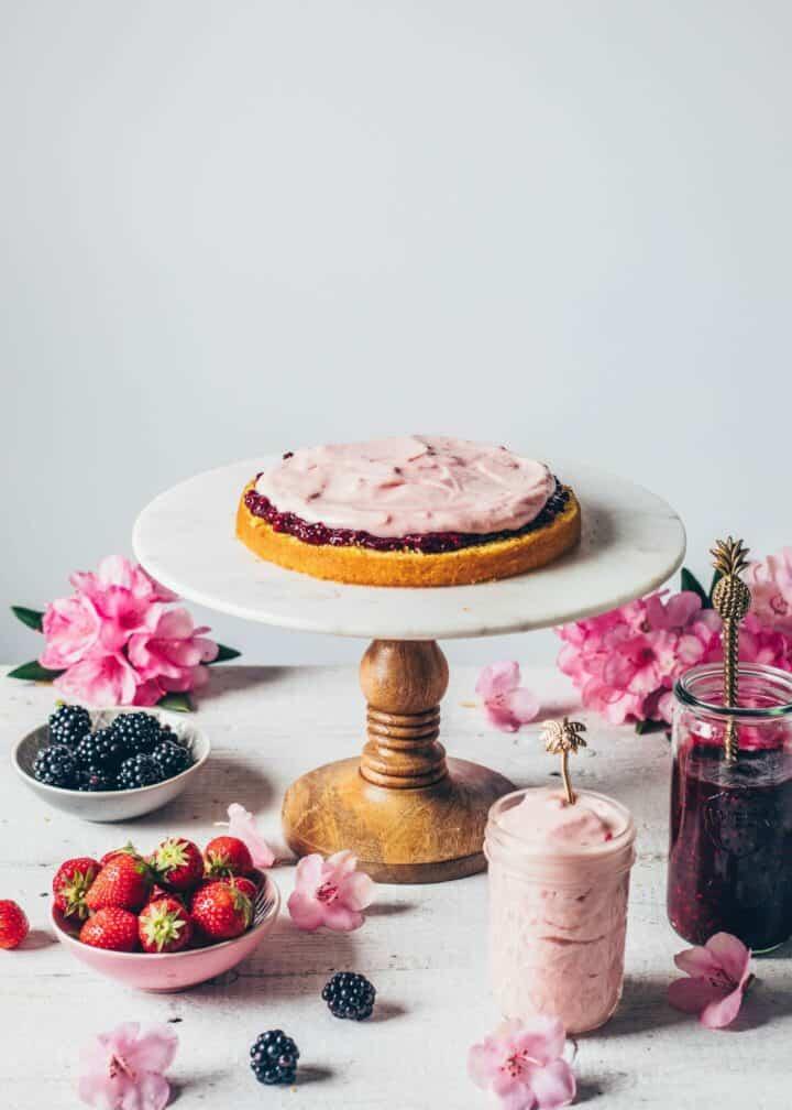 Zitronen-Torte mit Erdbeer-Creme Rezept Schritt-Anleitung