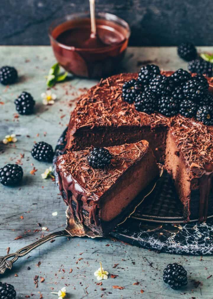 Baked Chocolate Cheesecake. Tips, Step-by-step guide. Creamy, rich, fudgy, simple Chocolate Ganache. Dairy-free, egg-free, easy to make.