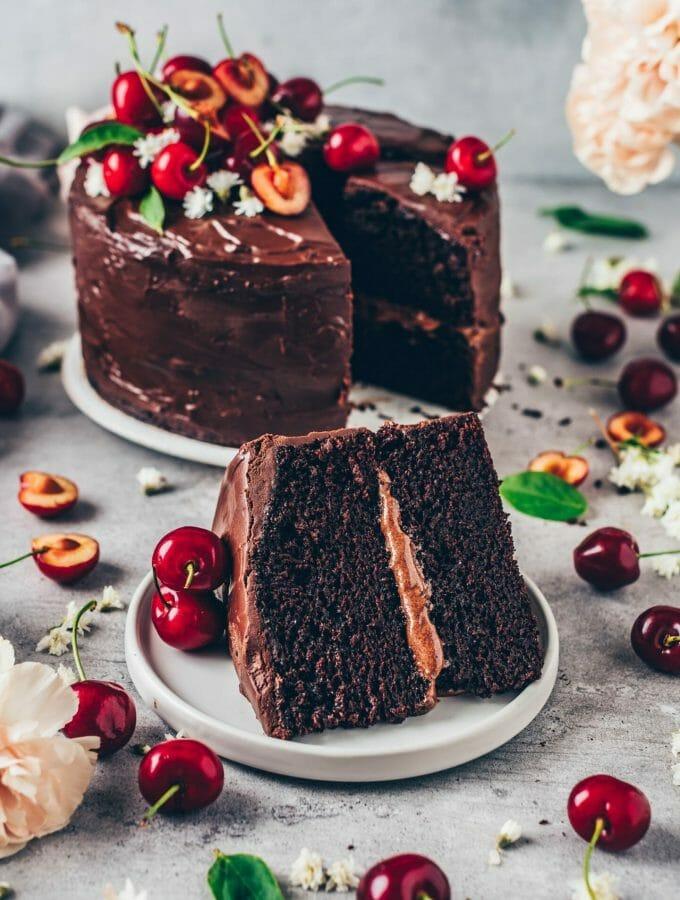 Veganer Schokoladenkuchen. Das beste Rezept. Schoko-Kuchen mit wenigen Zutaten, schnell und einfach zubereitet. Lecker, schokoladig, glutenfrei.