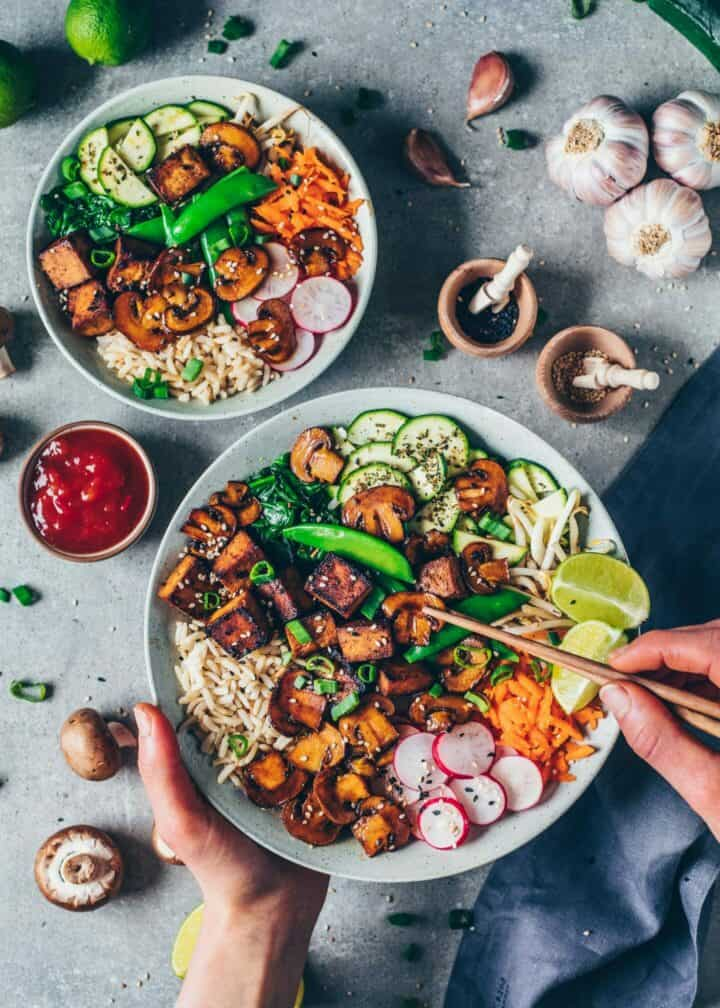 Vegan Bibimbap recipe. Korean mixed rice dish with vegetables and crispy tofu. Easy to make, healthy, delicious. Asian food.