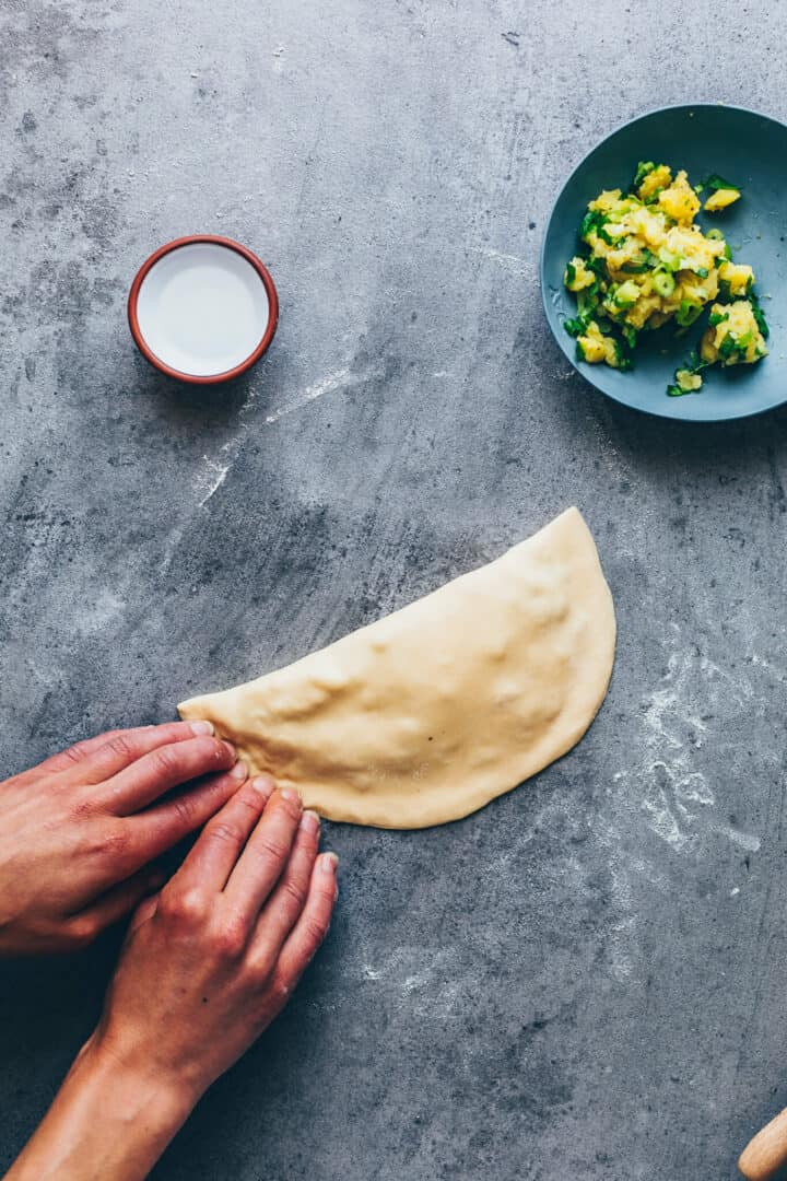 How to make stuffed flatbread - step-by-step