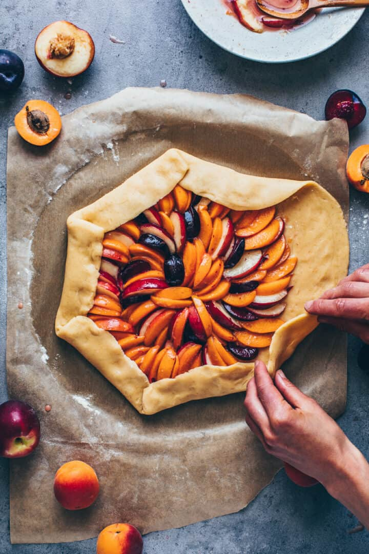 Stone Fruit Galette with peaches, apricots, nectarines, plums, vegan pie crust Recipe.
