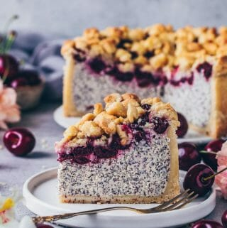 Cherry Crumble Cake vegan Cheesecake with poppy seeds