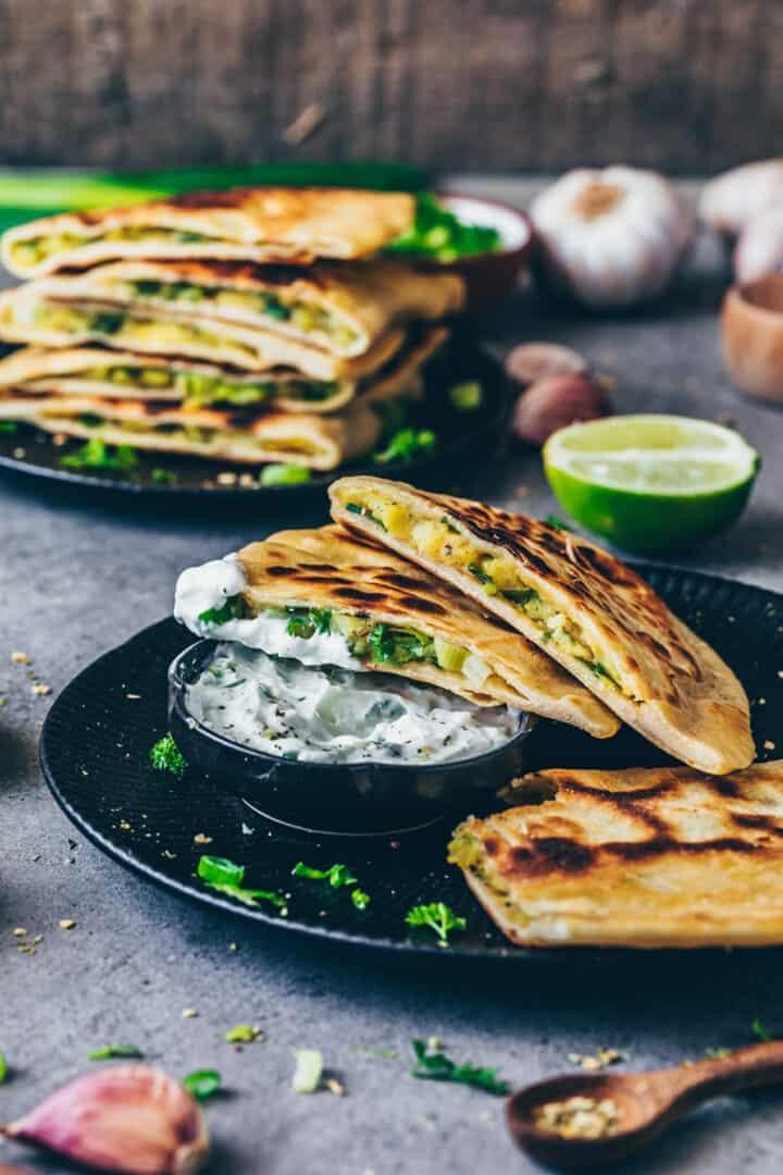 Fladenbrot mit Kartoffelfüllung (Pfannenbrot) | Aloo Paratha