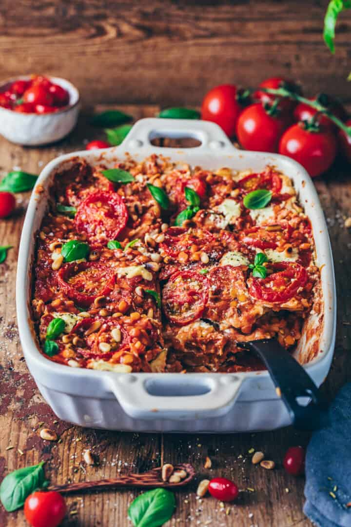 best vegan lasagna with lentils, tomatoes and cashew cheese sauce