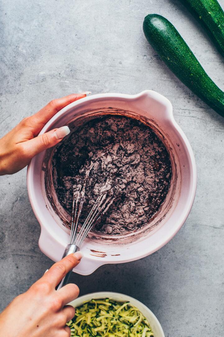 Teig für Zucchini Schokoladenkuchen Rezept