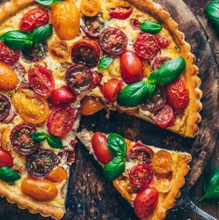 heirlroom tomato quiche tart with basil | food photography & styling