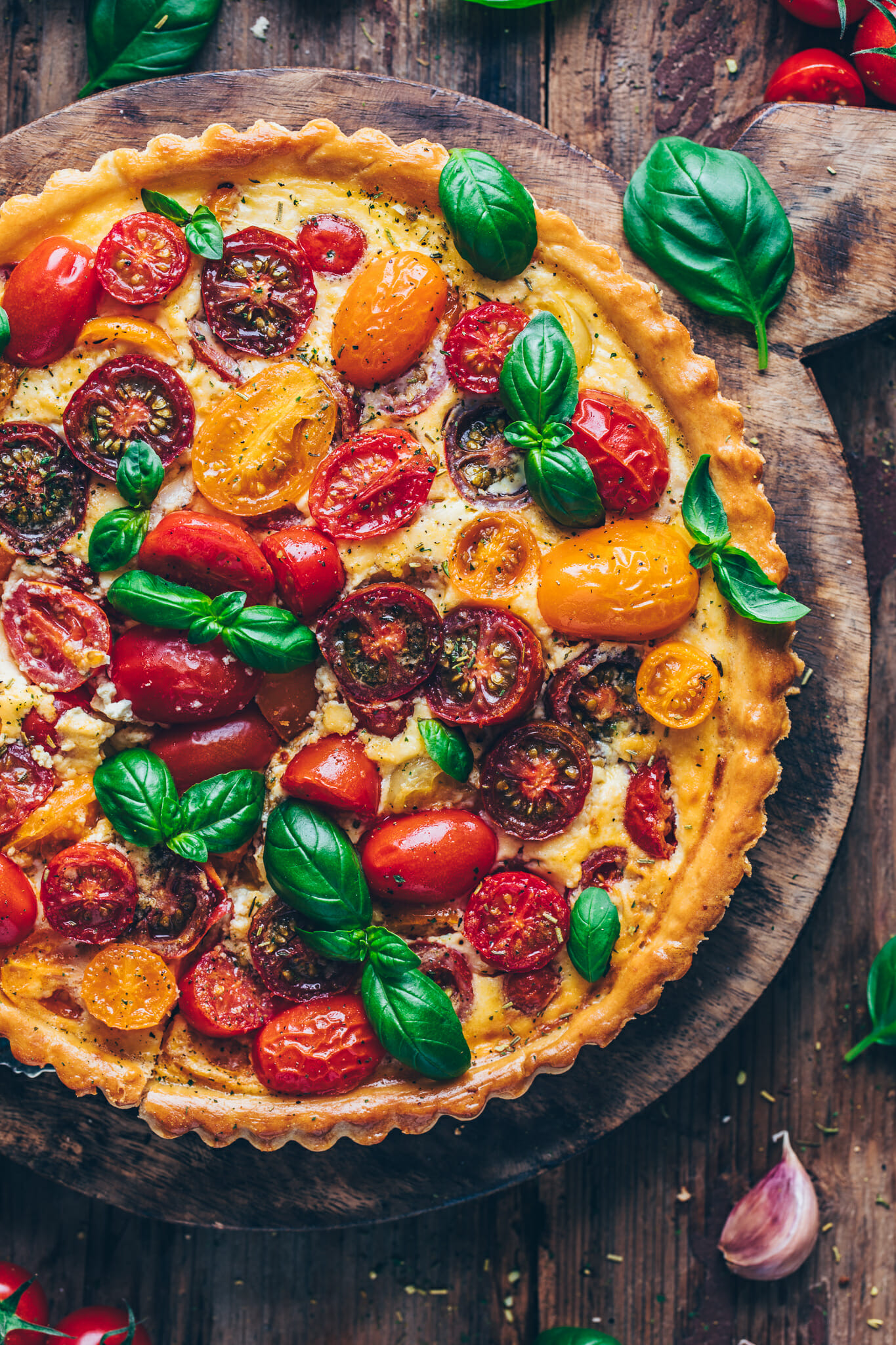 Tomaten Quiche Tarte mit Basilikum | Food Photography