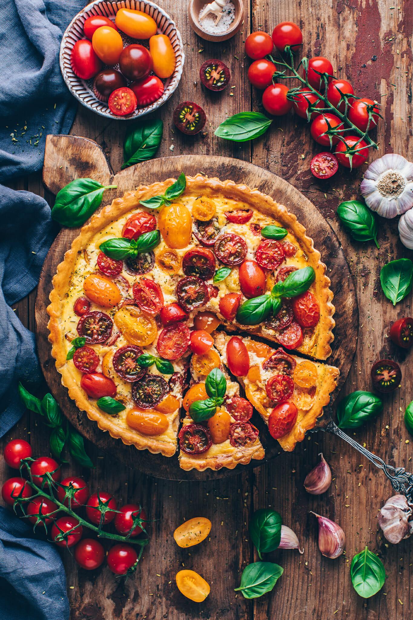 Bunte Tomaten Quiche Tarte mit Basilikum | Food Photography & Styling