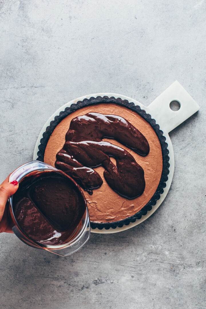 Oreo cookie pie crust with chocolate mousse and ganache