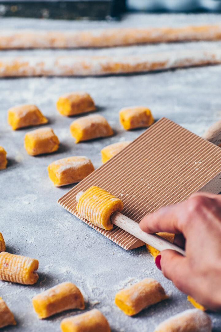 how to make pumpkin potato gnocchi from scratch using a gnocchi board