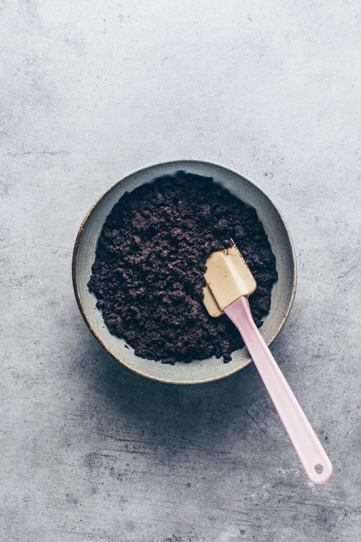 zerkrümelte Oreo Kekse für Keksboden ohne Backen Torte