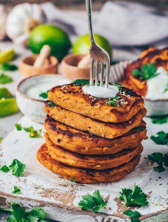 Süßkartoffel Puffer Linsen Bratlinge Fritter herzhafte Pancakes mit Dip
