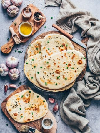 Easy Vegan Naan Bread with Garlic