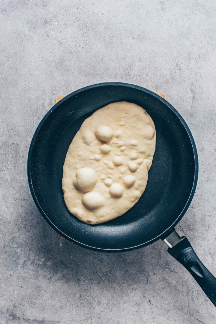 Easy Vegan Naan in een koekenpan