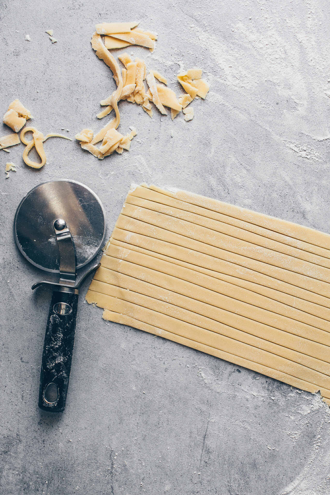 how to make a lattice pie crust for mini pies step-by-step instruction