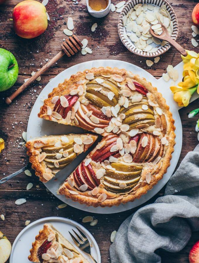 Französische Apfeltarte mit Mandeln