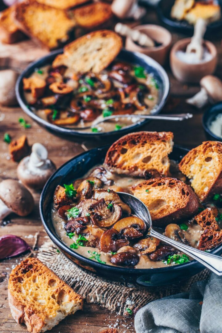 vegan cream of mushroom soup with garlic bread