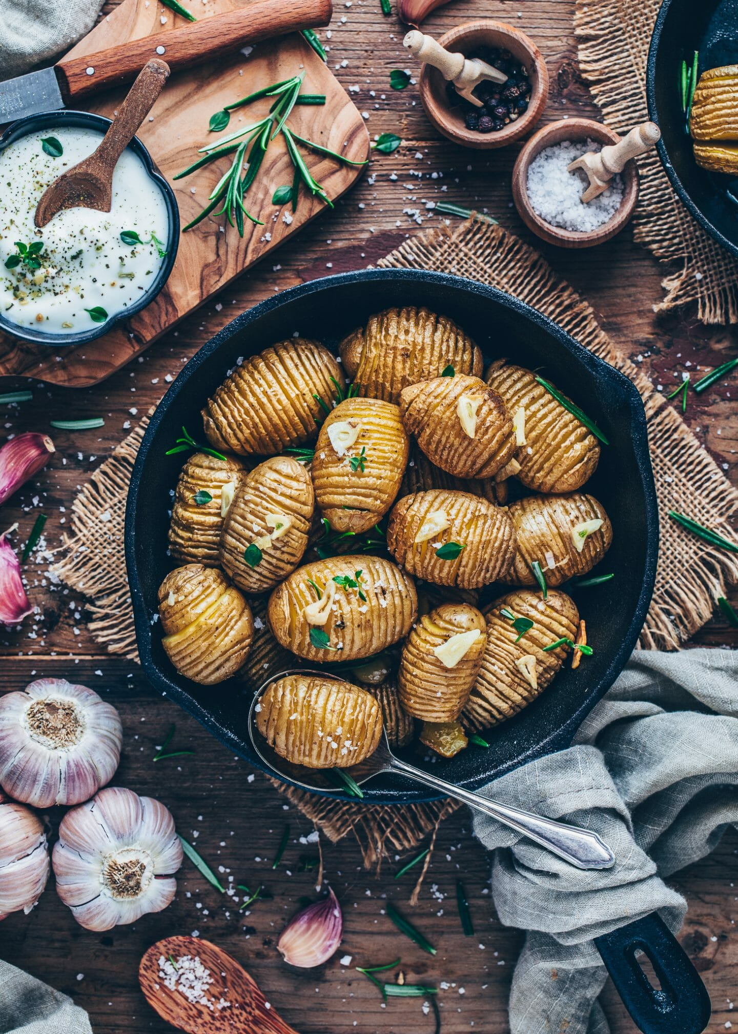 Crispy roasted Hasselback Potatoes with garlic, sea salt and rosemary