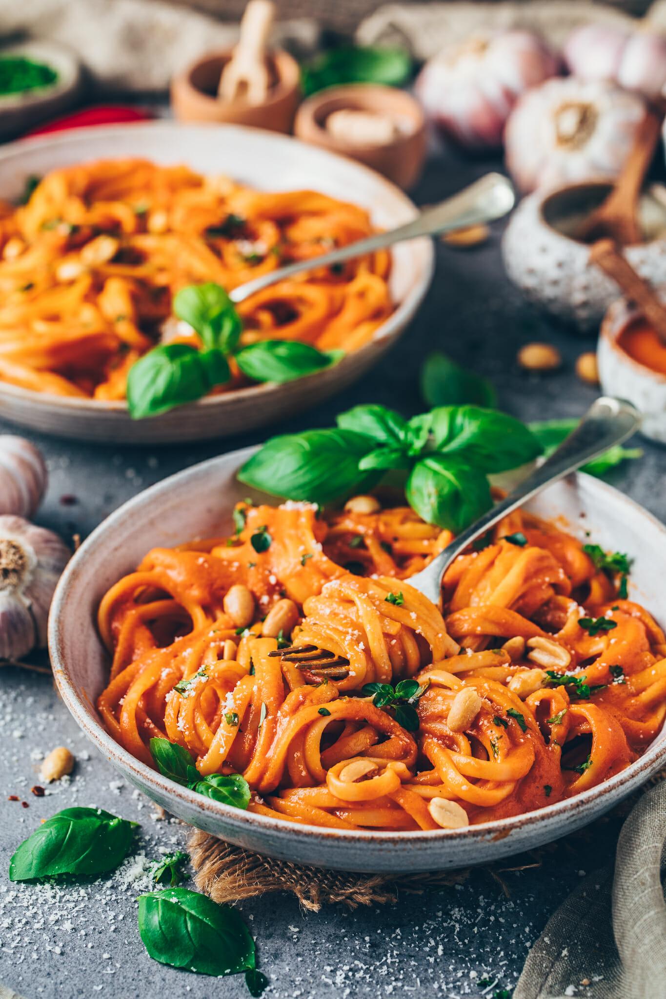 Vegan Roasted Red Pepper Pasta Sauce