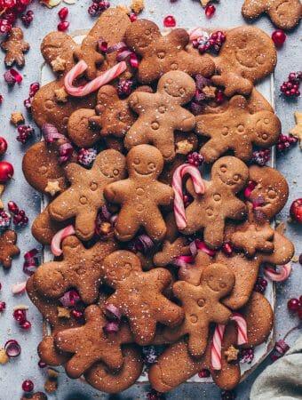 Lebkuchenmänner mit Zuckerstangen (Lebkuchen Plätzchen)
