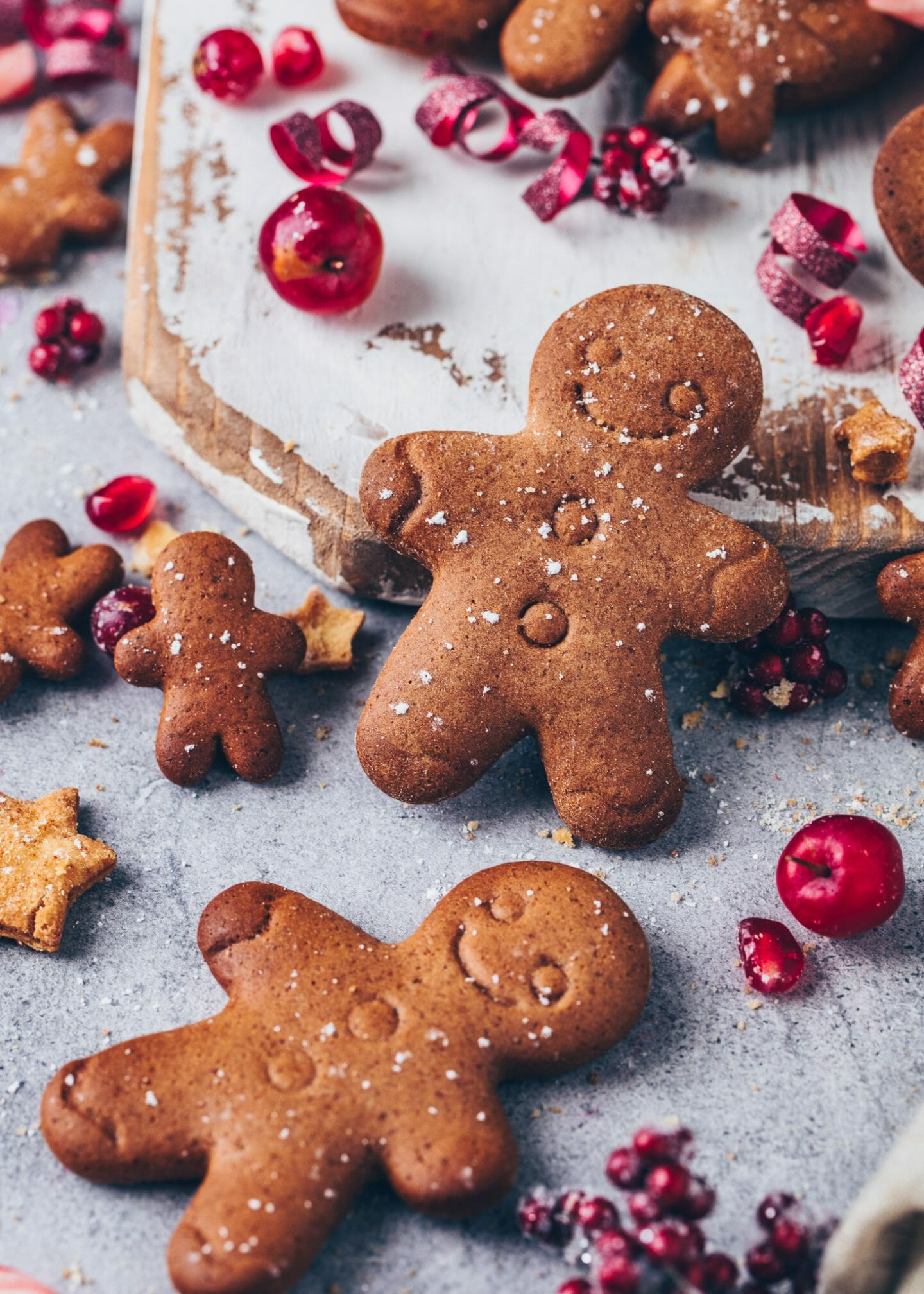 Vegan Gingerbread Christmas Cookies