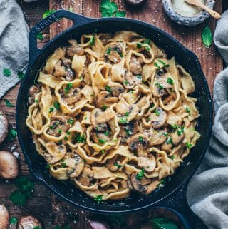 Champignon-Sauce mit Pasta (vegane Pilz-Rahm-Soße)
