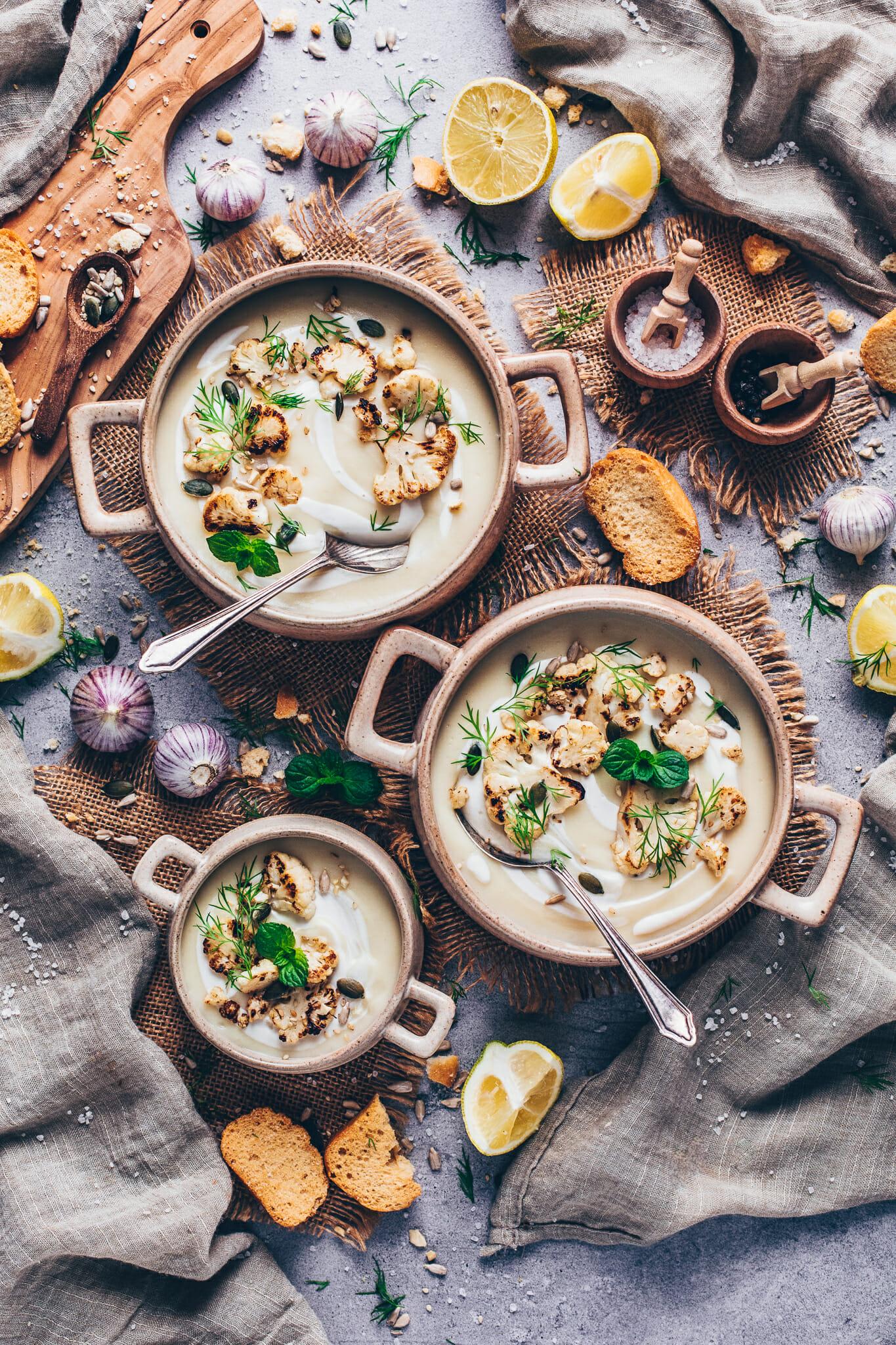 Veganes Weihnachtsessen - Vegane Blumenkohlsuppe (Food Fotografie)