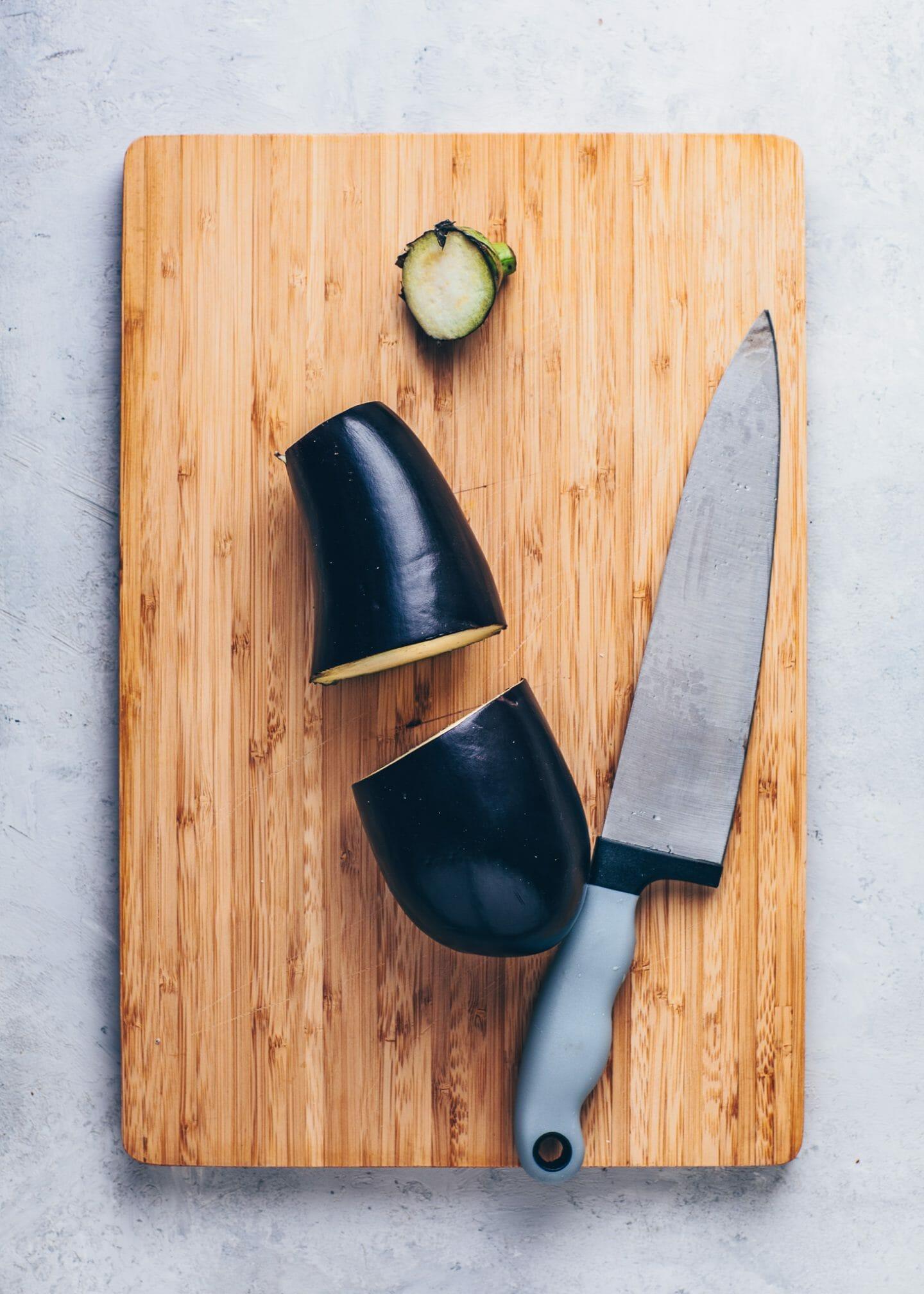 How to cut eggplants
