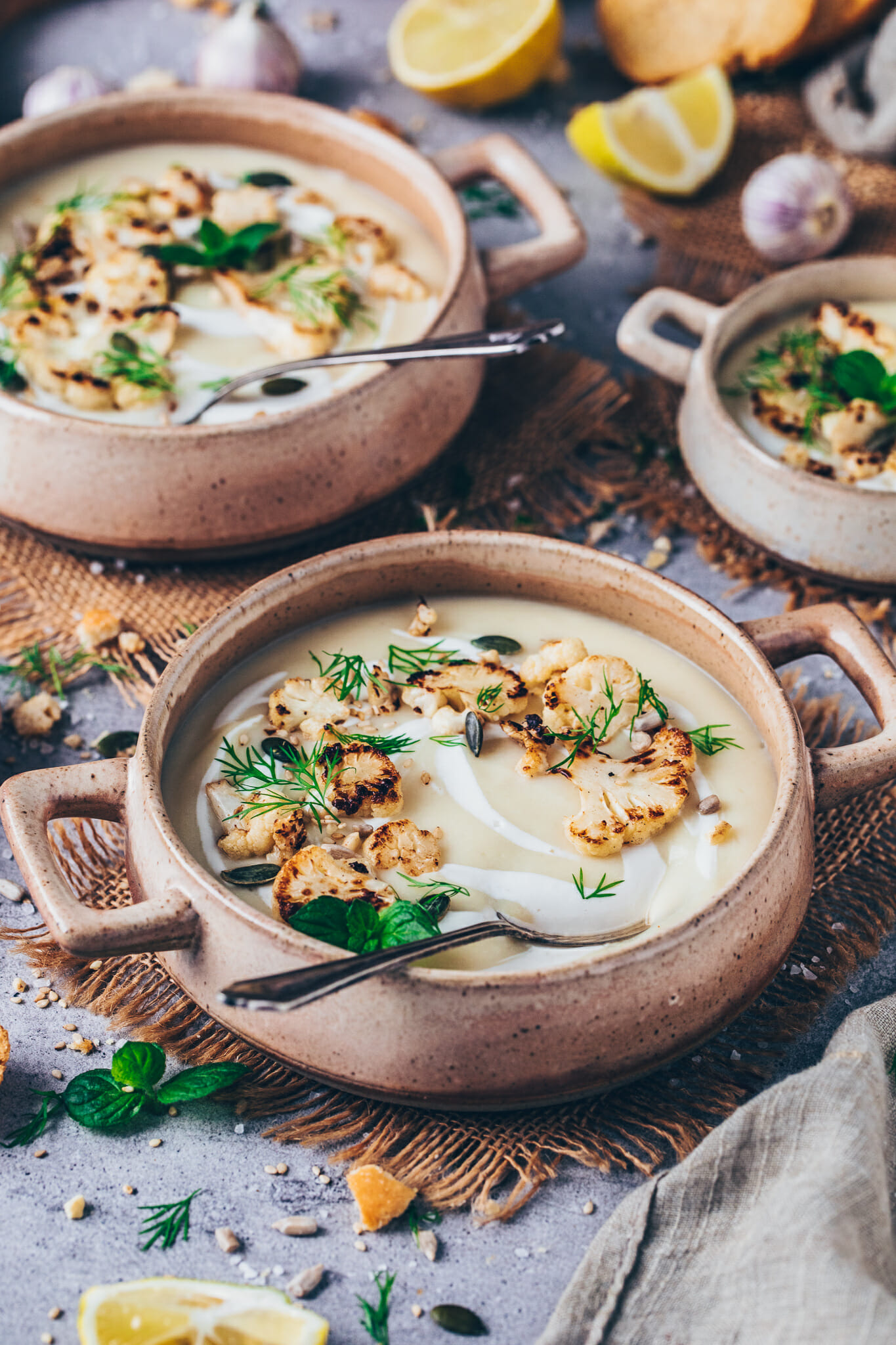 creamy vegan roasted cauliflower soup