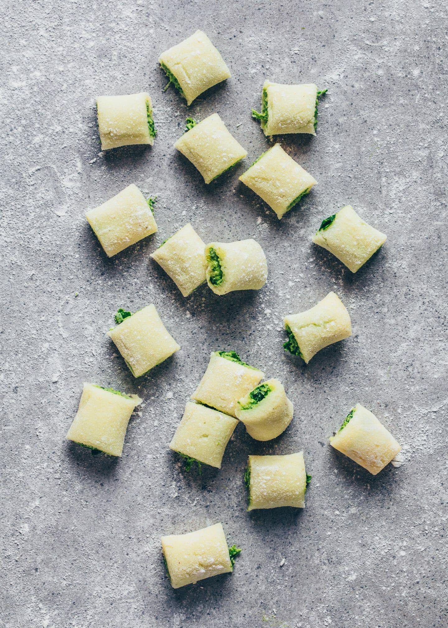 Gefüllte Gnocchi mit Spinat-Pesto