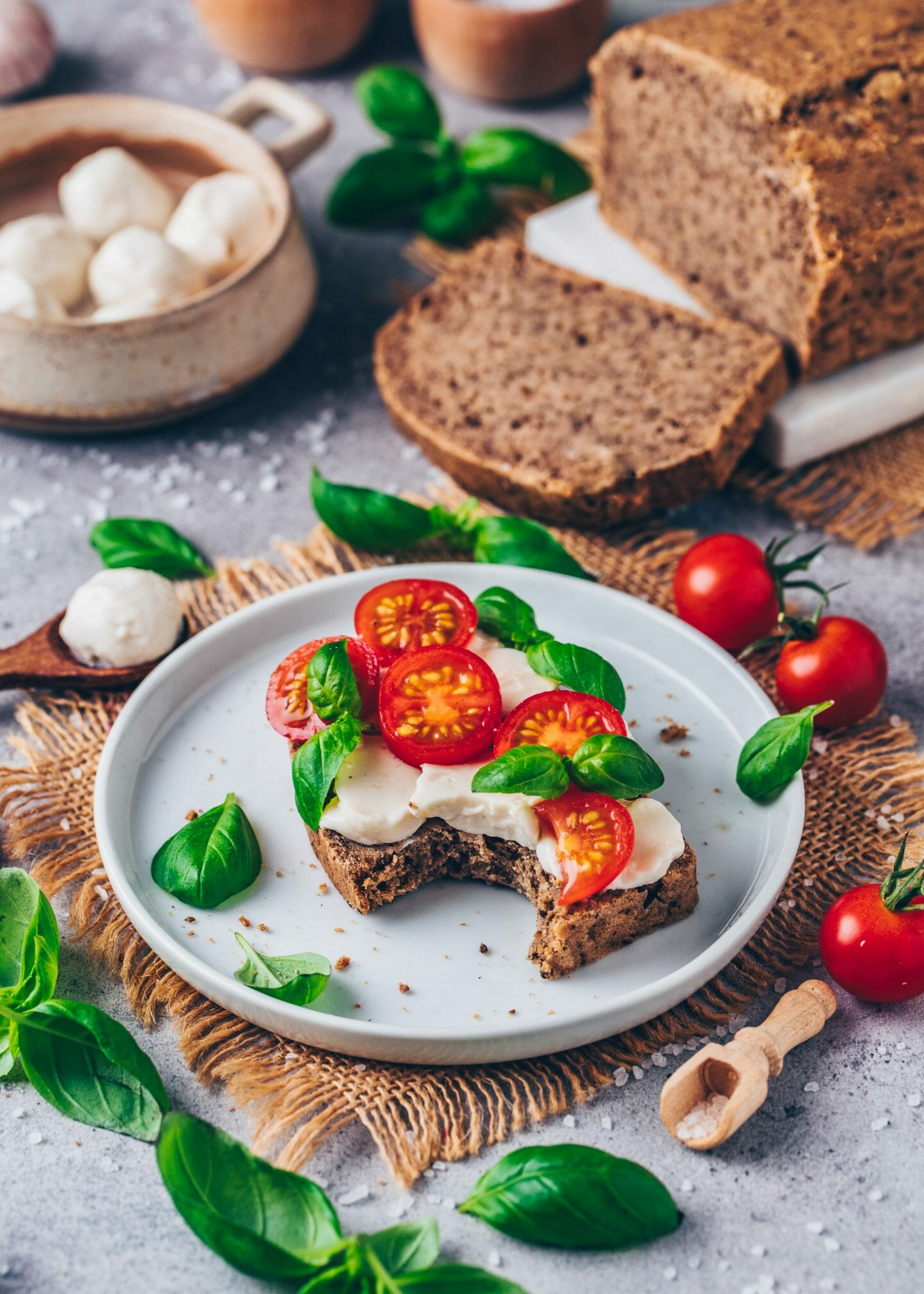 tomato mozzarella bread with basil (easy, vegan, dairy-free cheese)