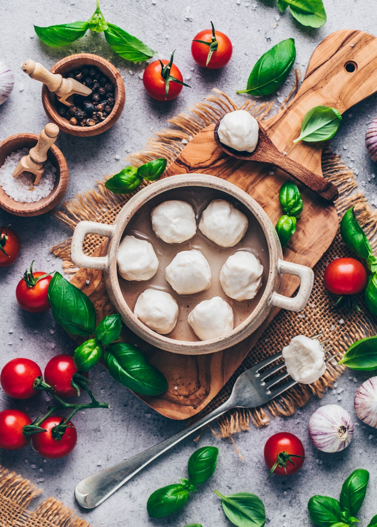 vegan mini mozzarella balls (homemade dairy-free cashew cheese)