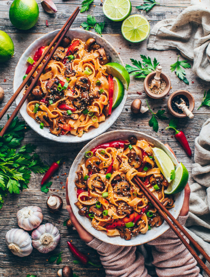 Thai Noodles with vegetables and Garlic Chili Sauce