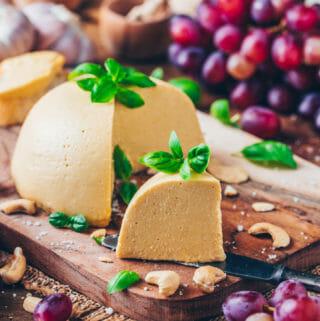 Veganer Käse - Einfach selbstgemacht und schnittfest