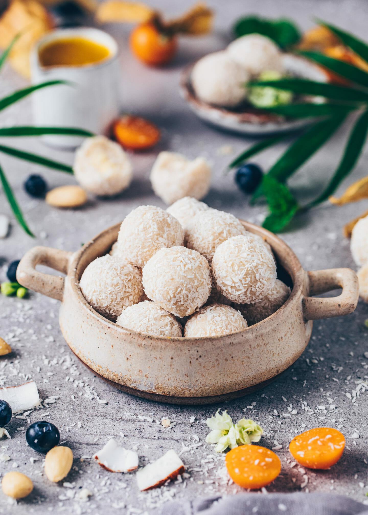 Vegan Raffaelo Pralines (Easy Coconut Balls)