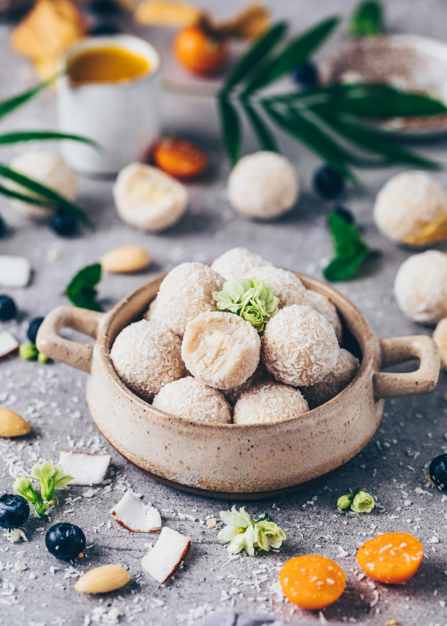 Coconut Balls (Vegan Raffaelo no-bake pralines, truffles)