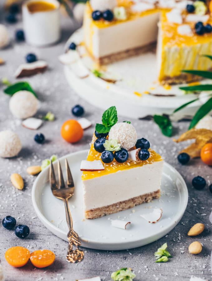 Kokos Cheesecake Raffaelo Torte ohne Backen (Vegan)
