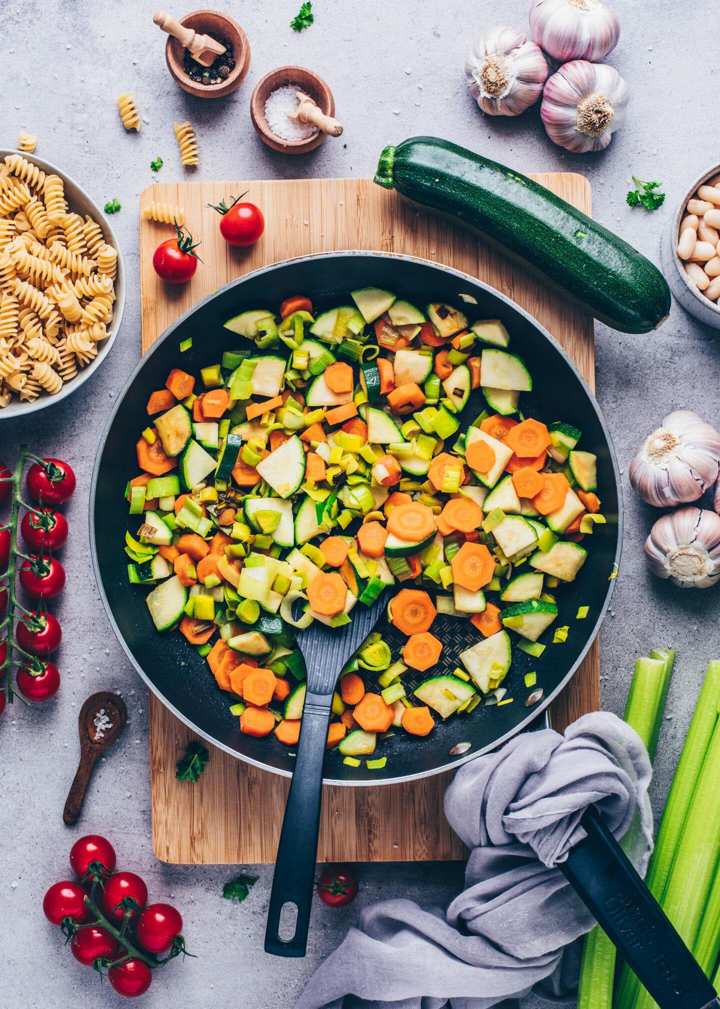 Gedünstetes Gemüse (Karotten, Zucchini, Lauch und Knoblauch)