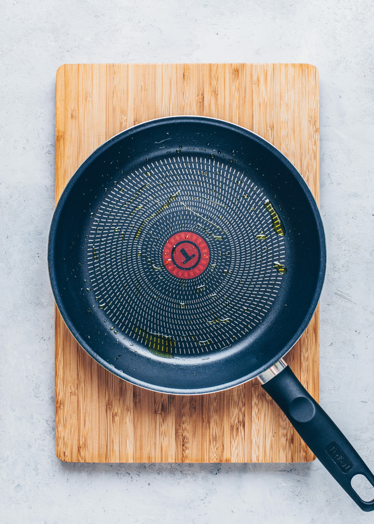 non-stick pan with olive oil